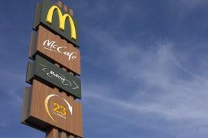 Die Sichtbarkeit der Fast-Food Ketten beeinflusst unsere Entscheidungen.