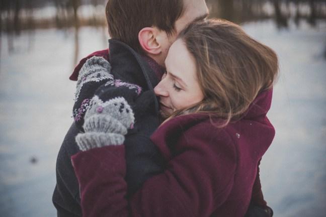 Als Paar gemeinsam gute und schwere Zeiten zu meisten ist wichtiger als ein schönes Gesicht.