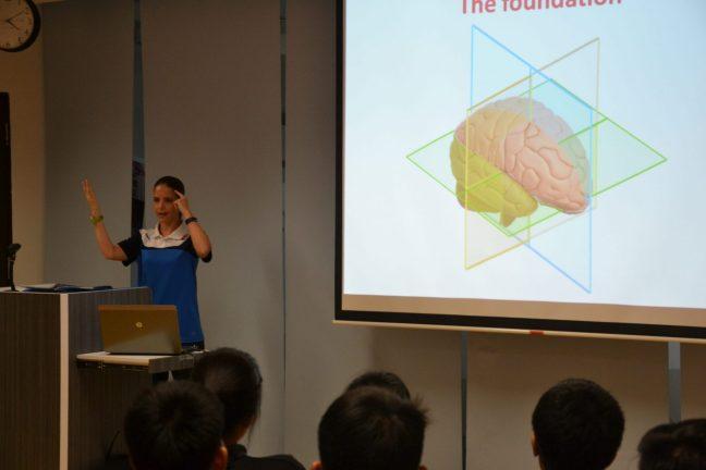Ich liebe Vorträge und Workshops, um meine Erfahrung mit Anderen zu teilen.