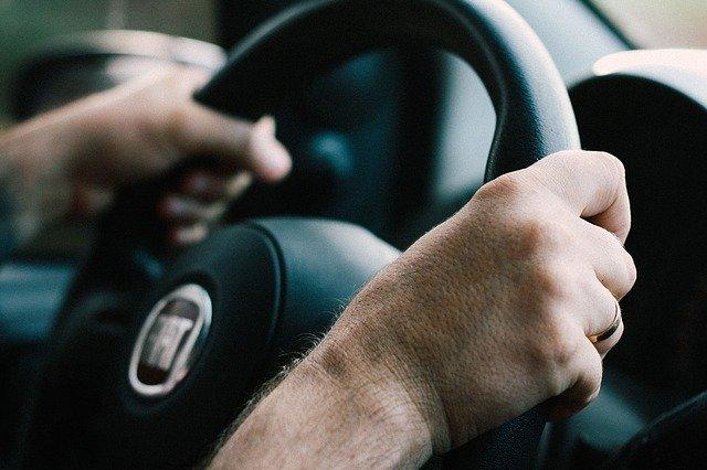 Stress im Auto, statt Fettverbrennung produziert unser Körper dann Stresshormone.