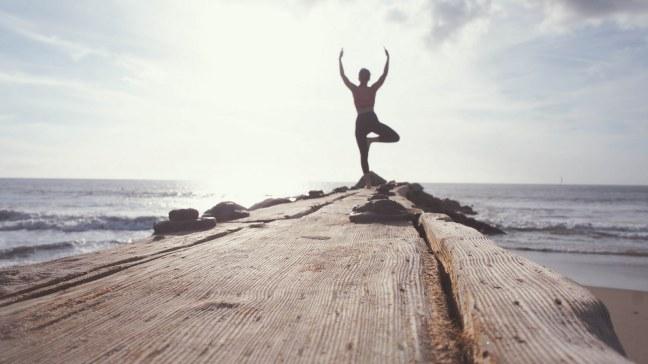 Bewegung umfasst Alltagsaktivitäten, aber auch Yoga und hartes Training.
