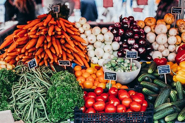 Buntes Gemüse, ohne Pestizidbelastung sollte die Basis unserer Ernährung bilden.