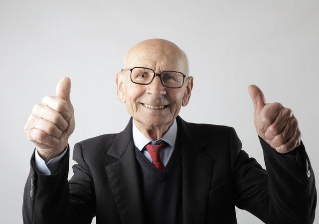 Mit 4 gesunden Gewohnheiten können wir unser biologisches Alter reduzieren.