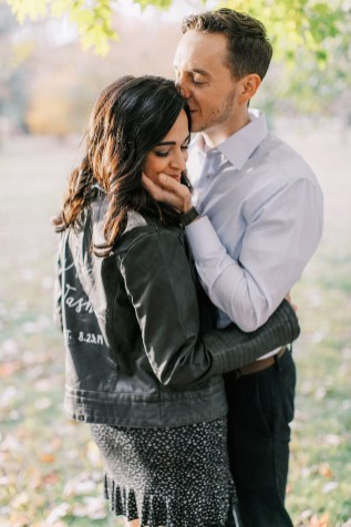 Cozy and Romantic Autumn Engagement Photography by Magdalena Studios_0013