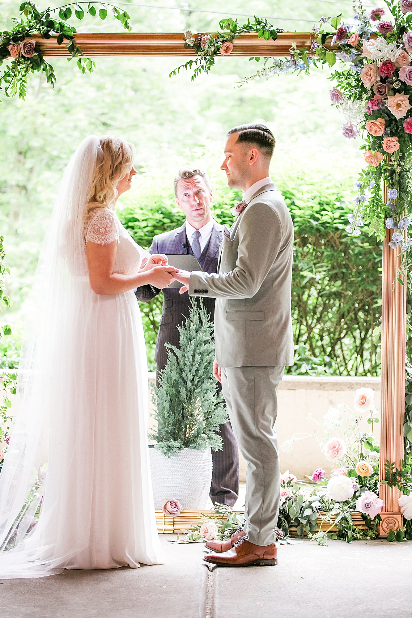 Intimate and Sweet Estate Wedding Photography by Magdalena Studios 0030