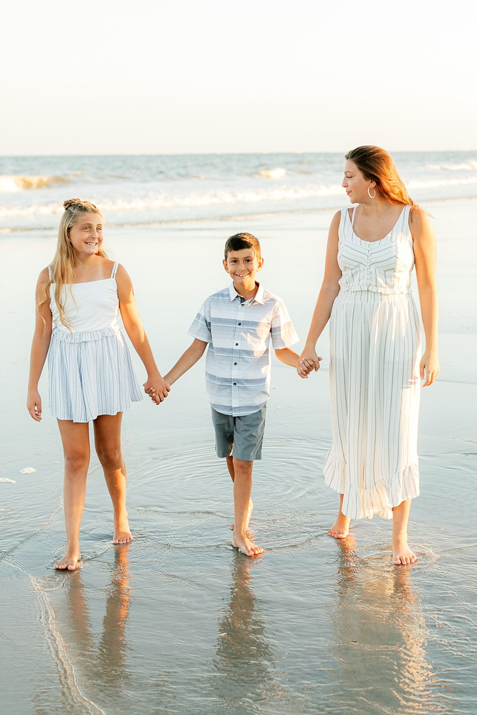 Family Session Outfit Inspiration by Magalena Studios1