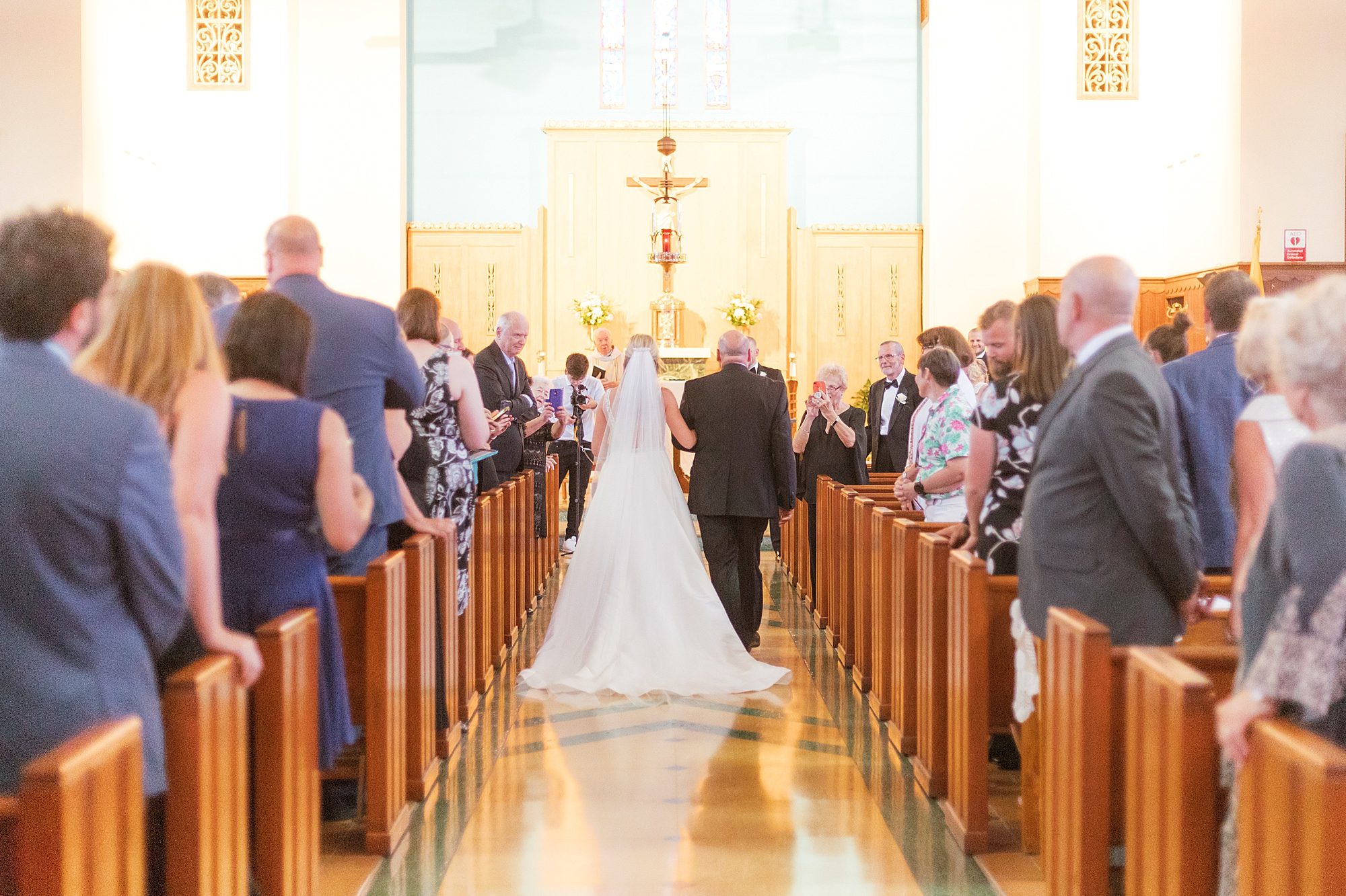Natural and Vibrant Wedding Photography at the Reeds in Stone Harbor NJ by Magdalena Studios 0021