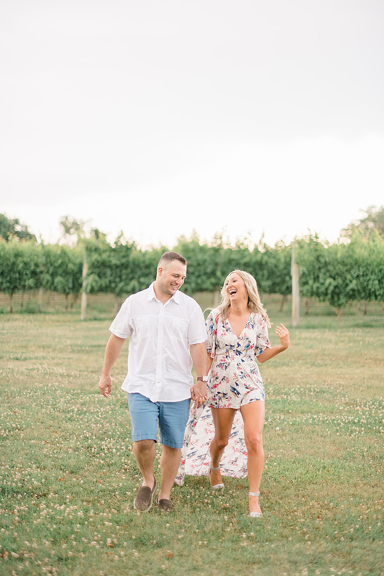 Willow Creek Winery New Jersey Engagement Photography with Dog by Magdalena Studios 0009