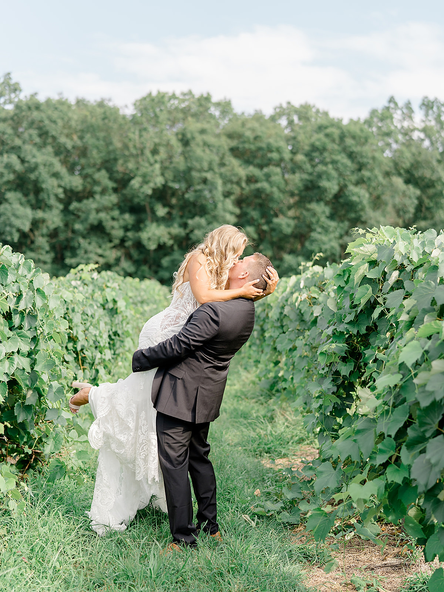 Renault Winery Wedding Photography by Magdalena Studios 0028