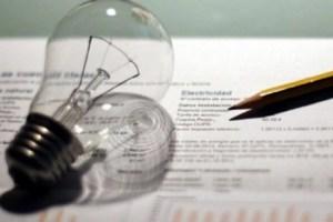 La Provincia ordenó que las distribuidoras eléctricas no podrán cortar el servicio a usuarios con hasta tres facturas impagas