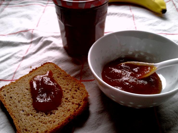 marmelade mit Apfel, banane und espresso