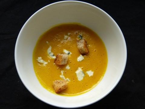 kürbissuppe mit gorgonzola