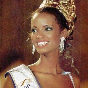 Vanessa Mendoza Bustos- Miss Colombia 2001