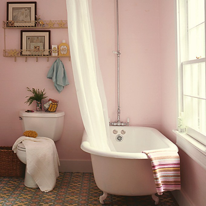 Paint Color: Peach Kiss by Benjamin Moore Photo by Tria Giovan / GAP Interiors