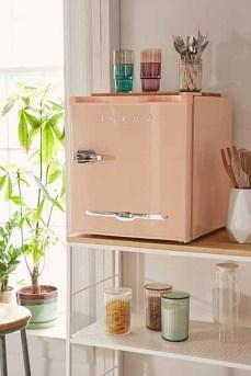 Igloo-vintage-look-pastel-mini-fridge