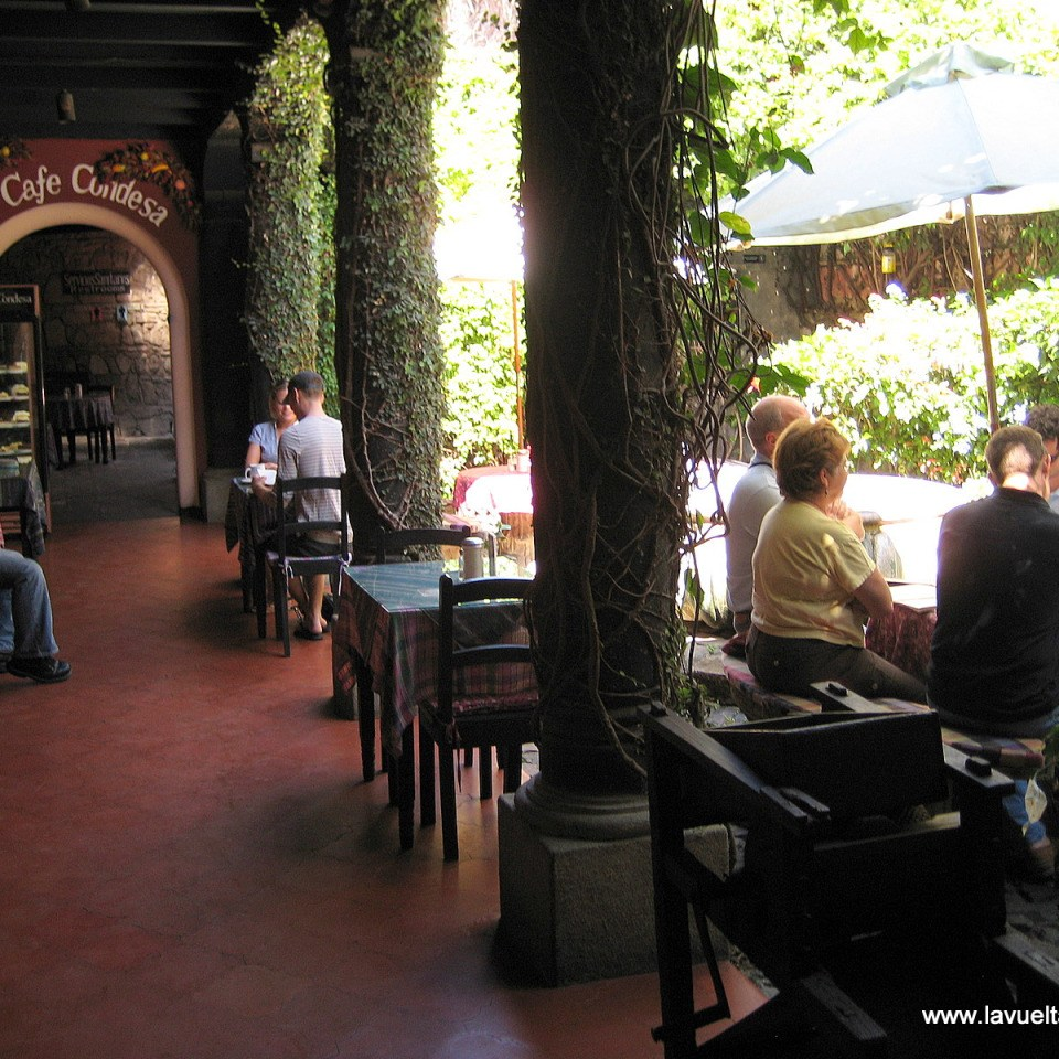 guatemala-antigua-cafe condesa-2