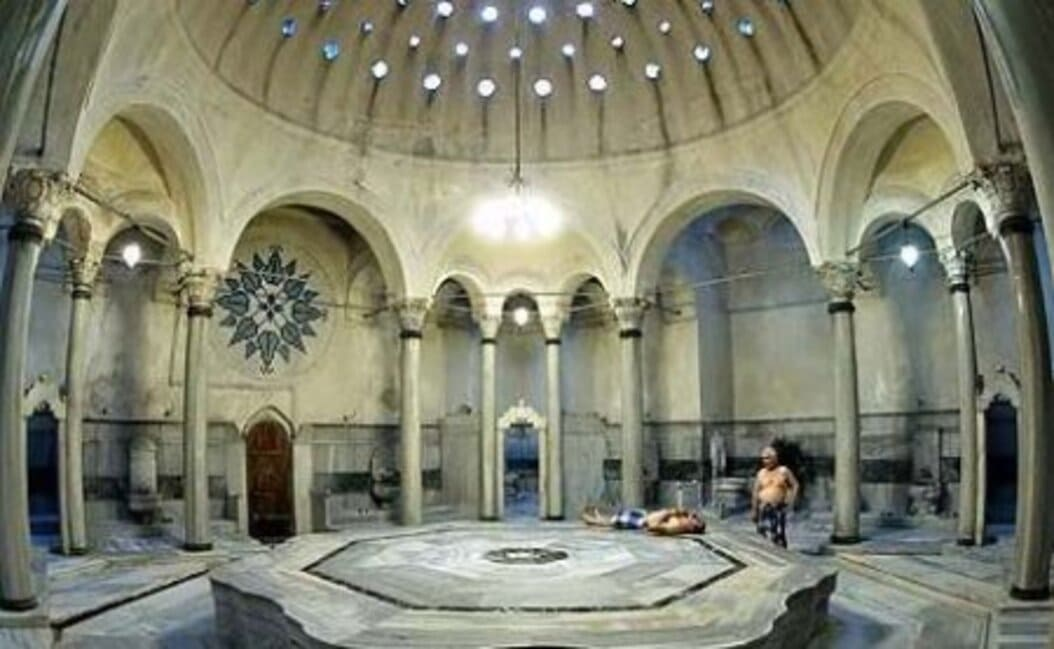 hamman - turquie 7 - copyright - Typical_setting_of_Turkish_Bath_or_Hammam_in_Cairo