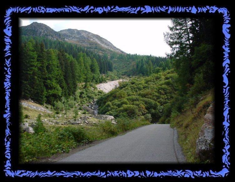 Weg zur Lengenbachgrube - Ein Mineralien Paradies