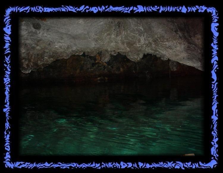 Klares Wasser im Lac souterrin in St. Léonard