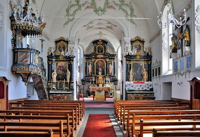 Innenansicht Pfarrkirche St. Verena
