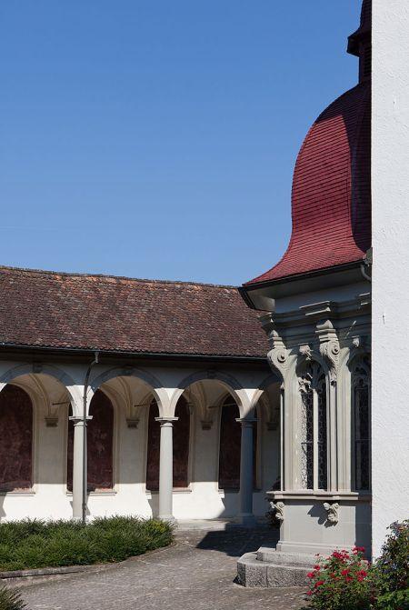 Innenhof der Wallfahrtskirche und des Klosters in Werthenstein