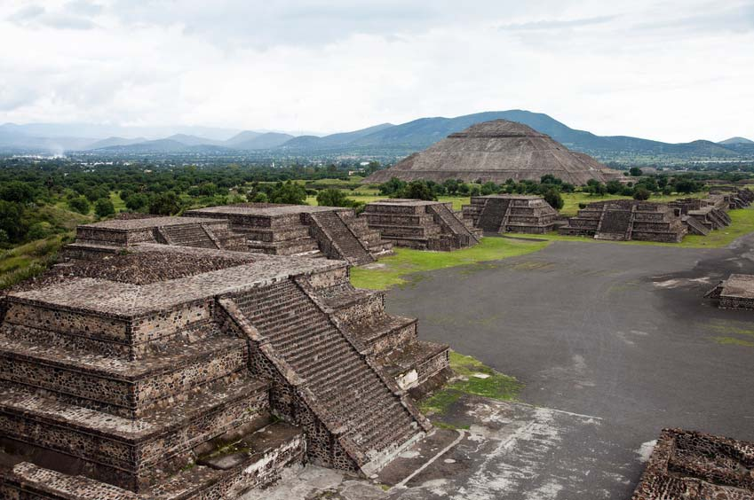 Teotihuacán - Pyramid of the sun