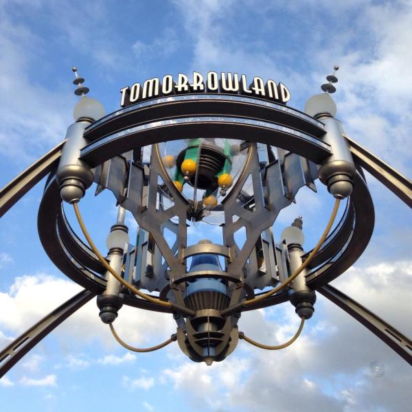 Tomorrowland sign - Dale