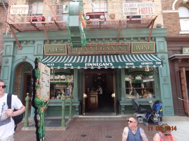 Finnegan's Bar & Grill - Universal