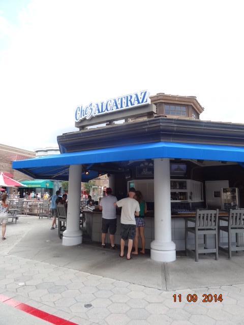Chez Alcatraz - Universal