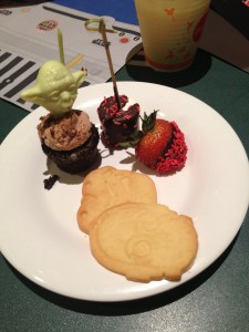 Star Wars Desserts offered at Jedi Mickey's Star Wars Dine at H&V