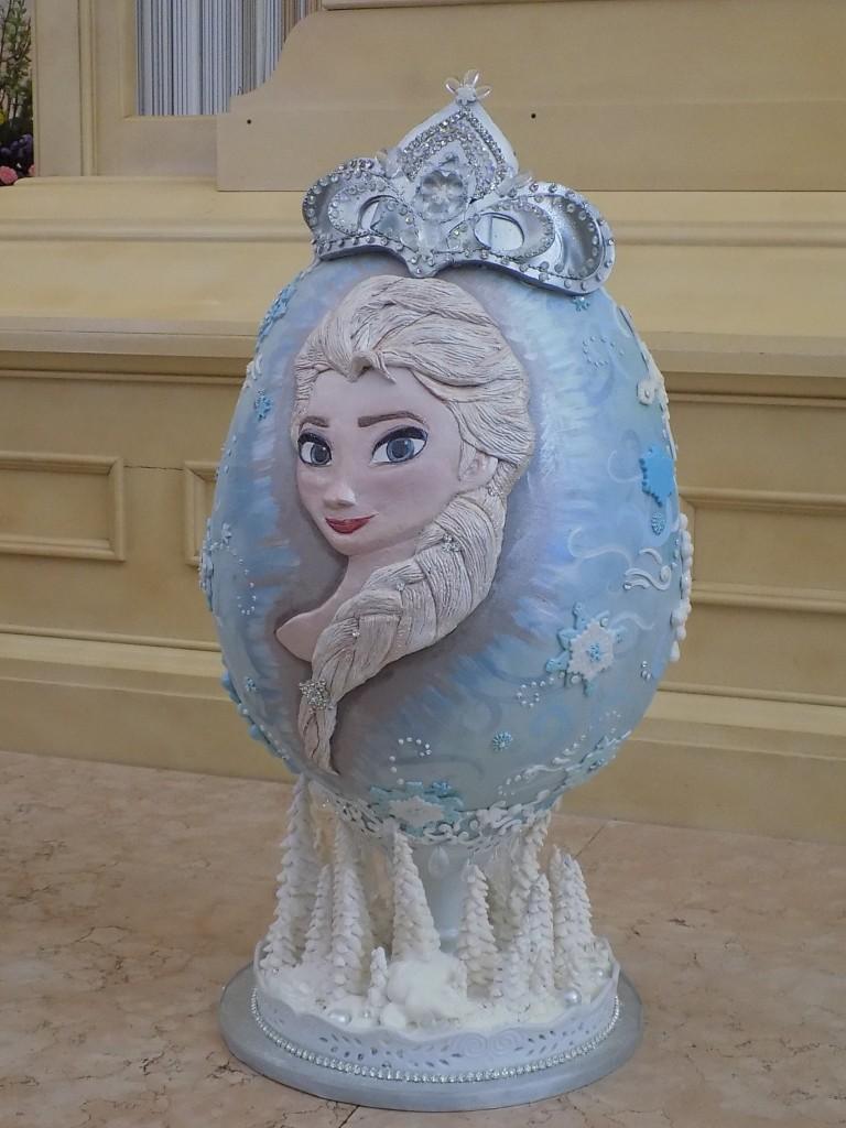 Queen Elsa themed Easter Egg