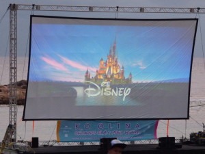 Getting ready for Frozen on the beach at Aulani