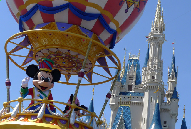 Finale, Mickey's Airship