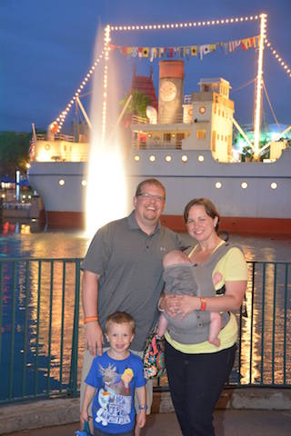 Family picture at Hollywood Studios