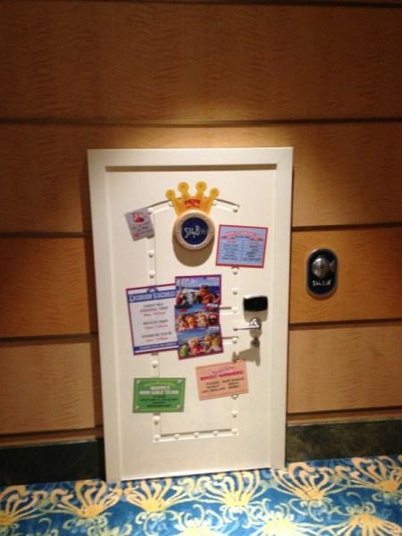 Pepe's door with clues: Disney Fantasy Midship Detective Agency