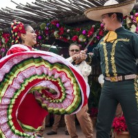 "Feliz Navidad! ""Holidays around the World"" Returns to Epcot!"