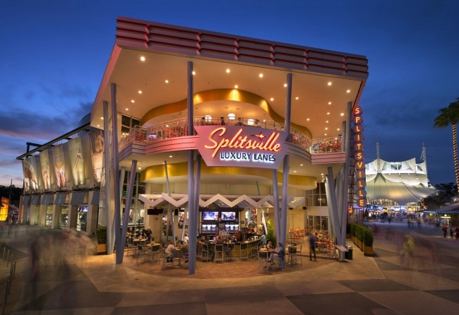Guests Strike Up Fun at Splitsville Luxury Lanes