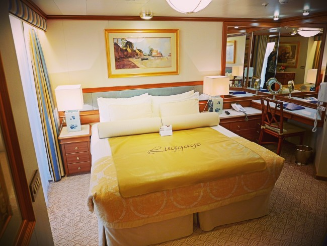 Emerald Princess bedroom