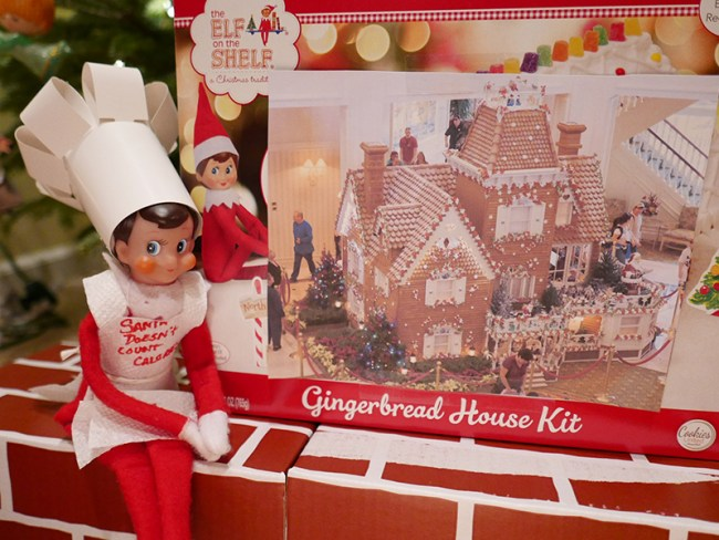 Disney-obsessed-elf-on-the-shelf-grand-floridian-gingerbread-house