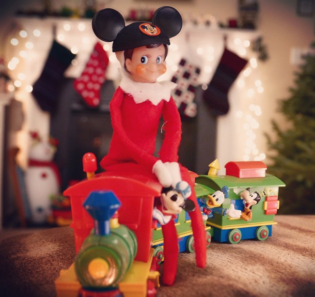 Disney-obsessed-elf-on-the-shelf-walt-disney-world-railroad