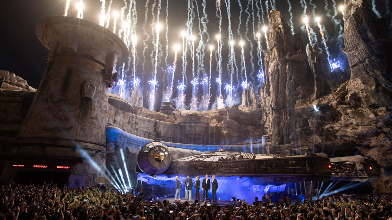 Photo of Star Wars: Galaxy's Edge dedication ceremony at Disneyland Park