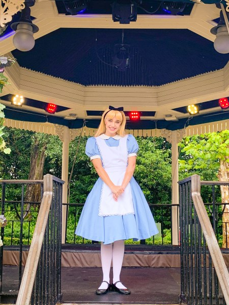 Alice socially-distanced photo opportunity at Epcot
