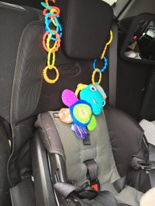 Magical Mama Blog 8 Things to do with Lots of Links attach and hang toys in the car or crib