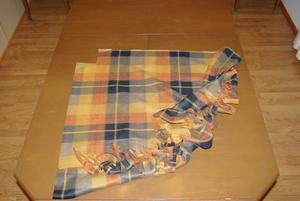 No-Sew Babywearing Fleece Poncho With Fringe, revised (6/6)