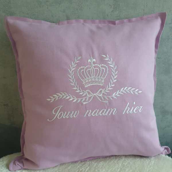 kussentje met kroon en naam roze