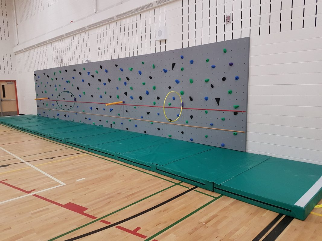 Auburn Bay School - 2019 - Traverse wall & Fun Holds