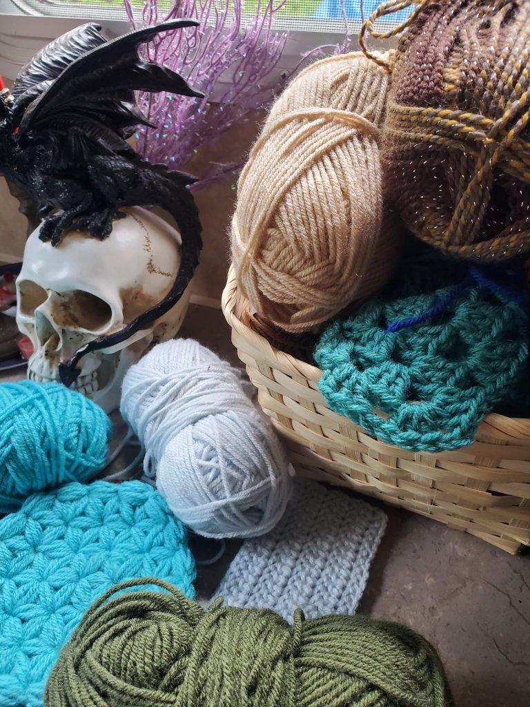 the precious yarn things you need to start crocheting