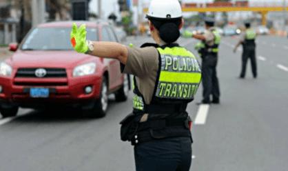 noticia-facebook-policia-celular-nino