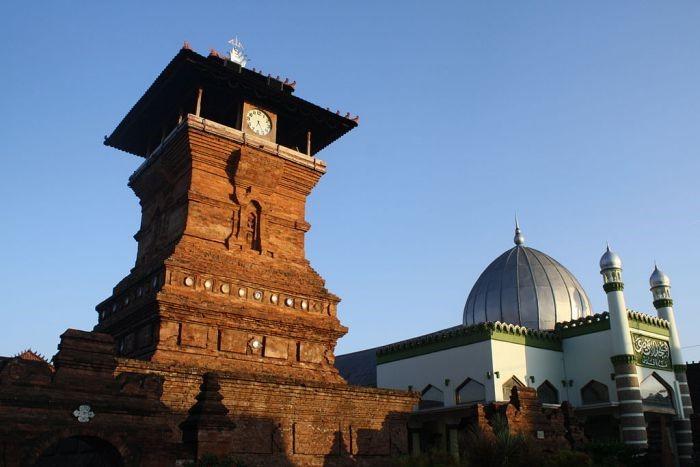 PAI Kelas 9 BAB 5 Kehadiran Islam Mendamaikan Bumi Nusantara