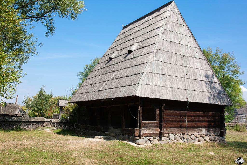 maison bois maramures